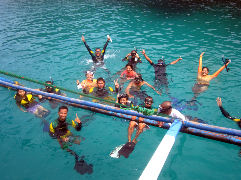Sisid? HOORAY!!! Underwater scavenger hunt is a go!