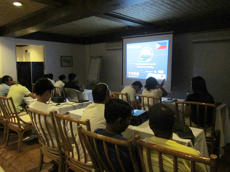 El Nido Resorts guides, dive crew, GACs, and boat crew during the Green Fins training.