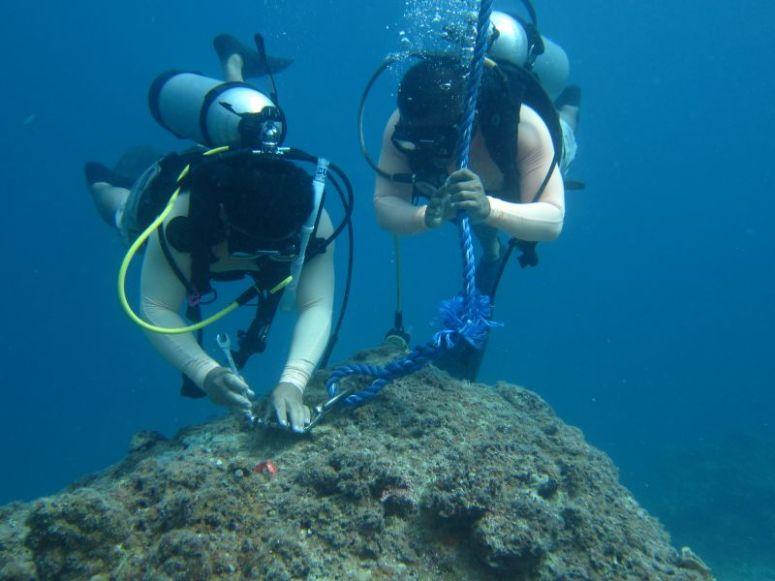 installing mooring buoys El Nido Palawan El Nido Resorts
