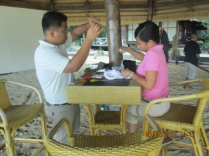 Apulit Island Resort staff taking part of the #BetterBagChallenge