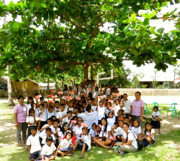 Group photo of Kiminawit students, teachers, and the Environment Team!