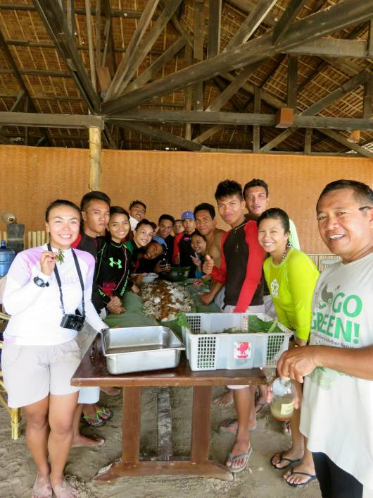 Boodle fight for lunch at Dibuluan Island